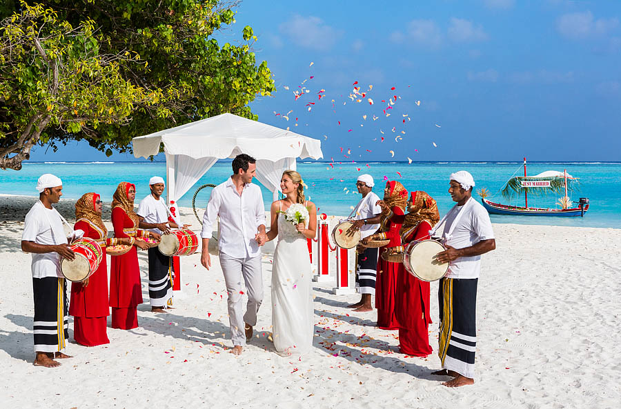 Exotic Beach Wedding At Luxury Resort In The Maldives